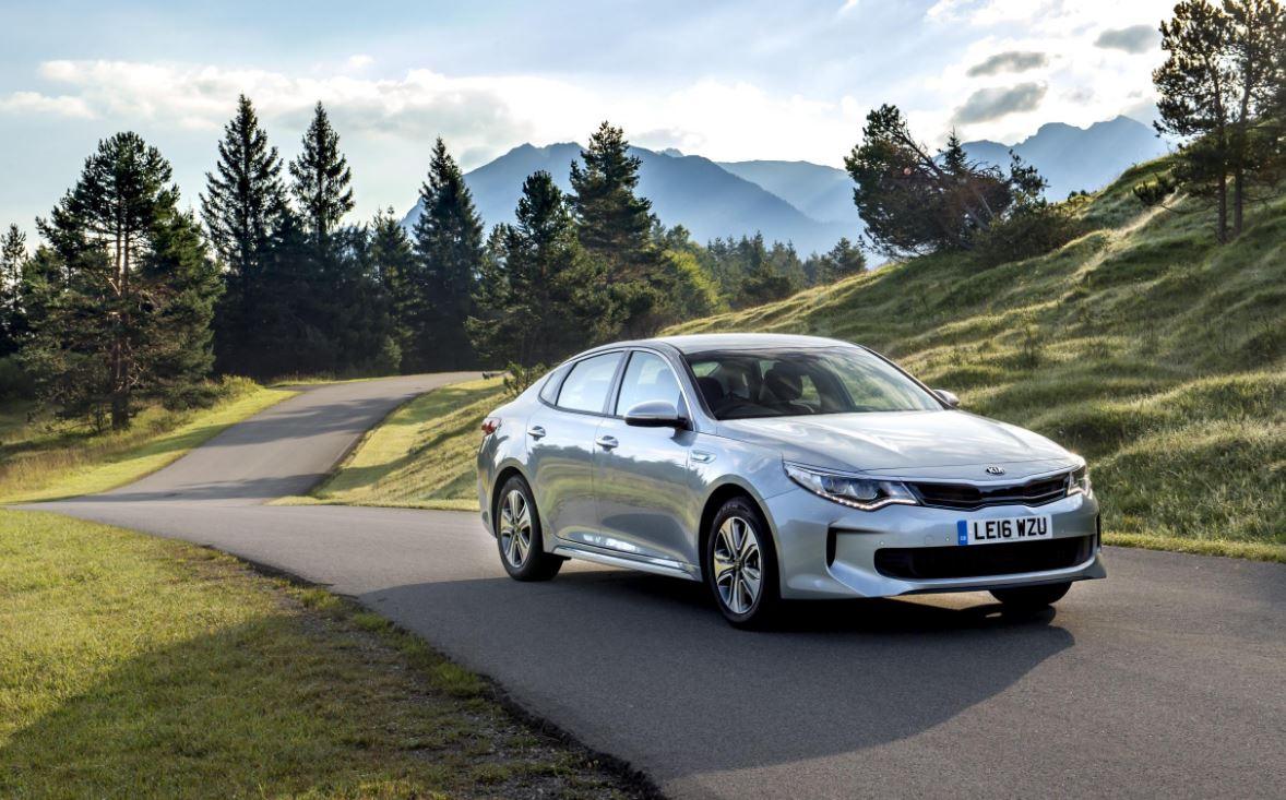 kia adds optima phev sportswagon to uk lineup the news. Black Bedroom Furniture Sets. Home Design Ideas
