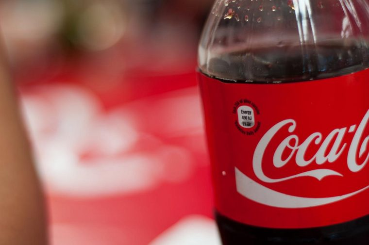 Coca Cola Remove Bugs from Windshield
