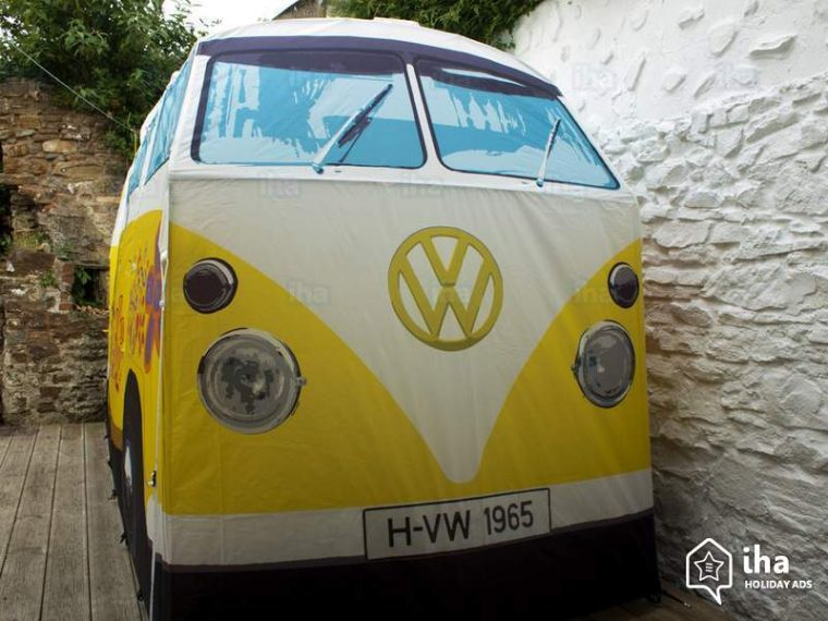 VW-Bus-Tent & We Would Totally Go Camping in a VW Bus Tent | The News Wheel