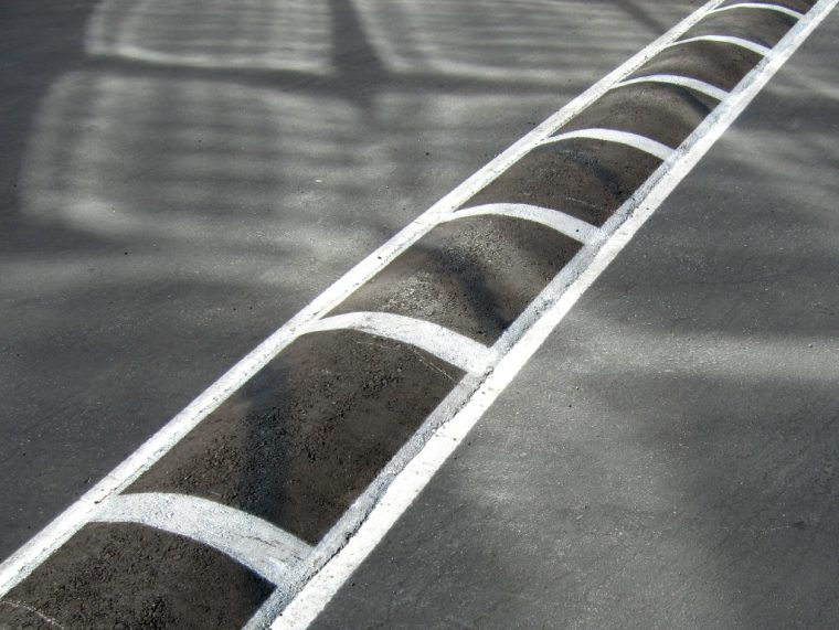 speed bump hump speed deterrent strip