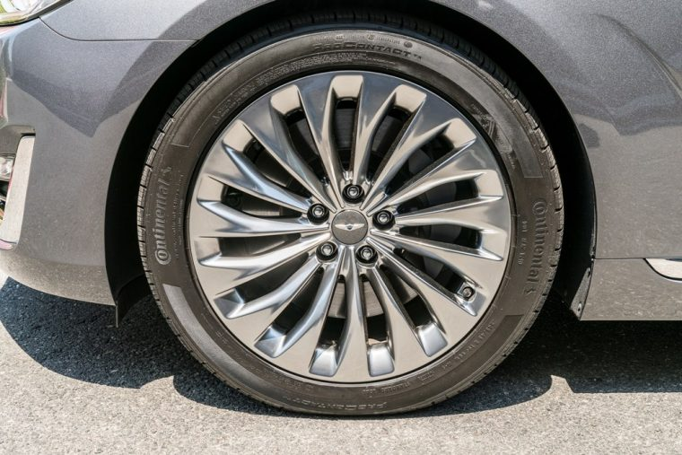 2017 Genesis G90 model overview car tire wheel