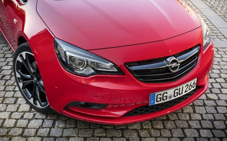 Automotive enthusiasts attending this year's Paris Motor Show will witness the debut of the Opel Cascada Supreme