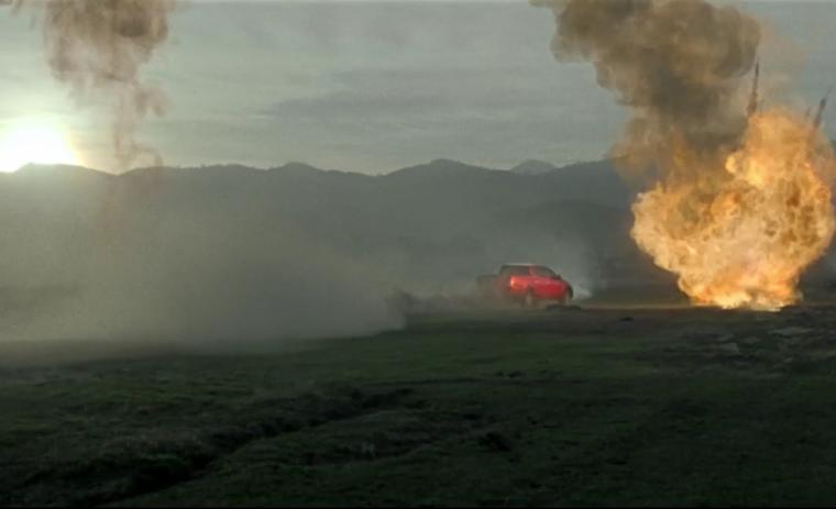 Mitsubishi L200 Triton escapes explosions.