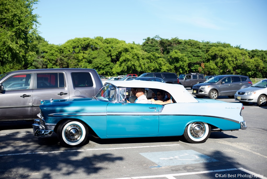 How To Choose The Right Wedding Transportation