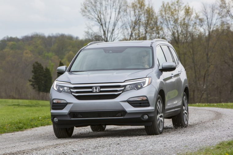 photos 2017 honda pilot pricing starts at 30 595 the news wheel. Black Bedroom Furniture Sets. Home Design Ideas