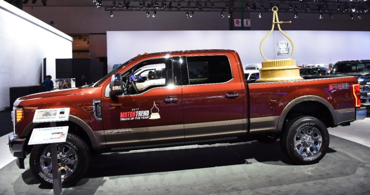 2017 ford super duty cruises to first motor trend truck of. Black Bedroom Furniture Sets. Home Design Ideas