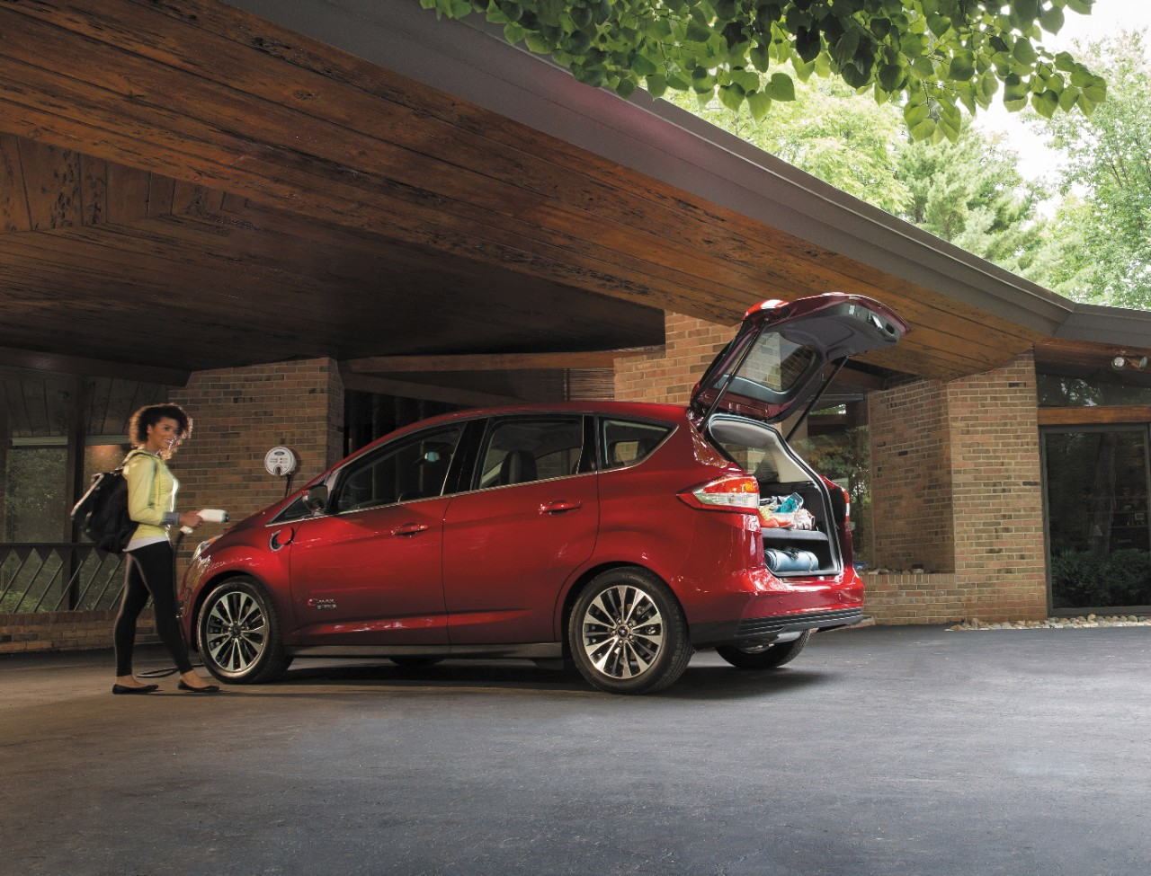 2017 ford c max energi 2 the news wheel. Black Bedroom Furniture Sets. Home Design Ideas