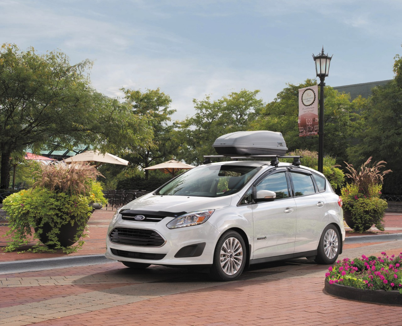 2017 ford c max hybrid 6 the news wheel. Black Bedroom Furniture Sets. Home Design Ideas