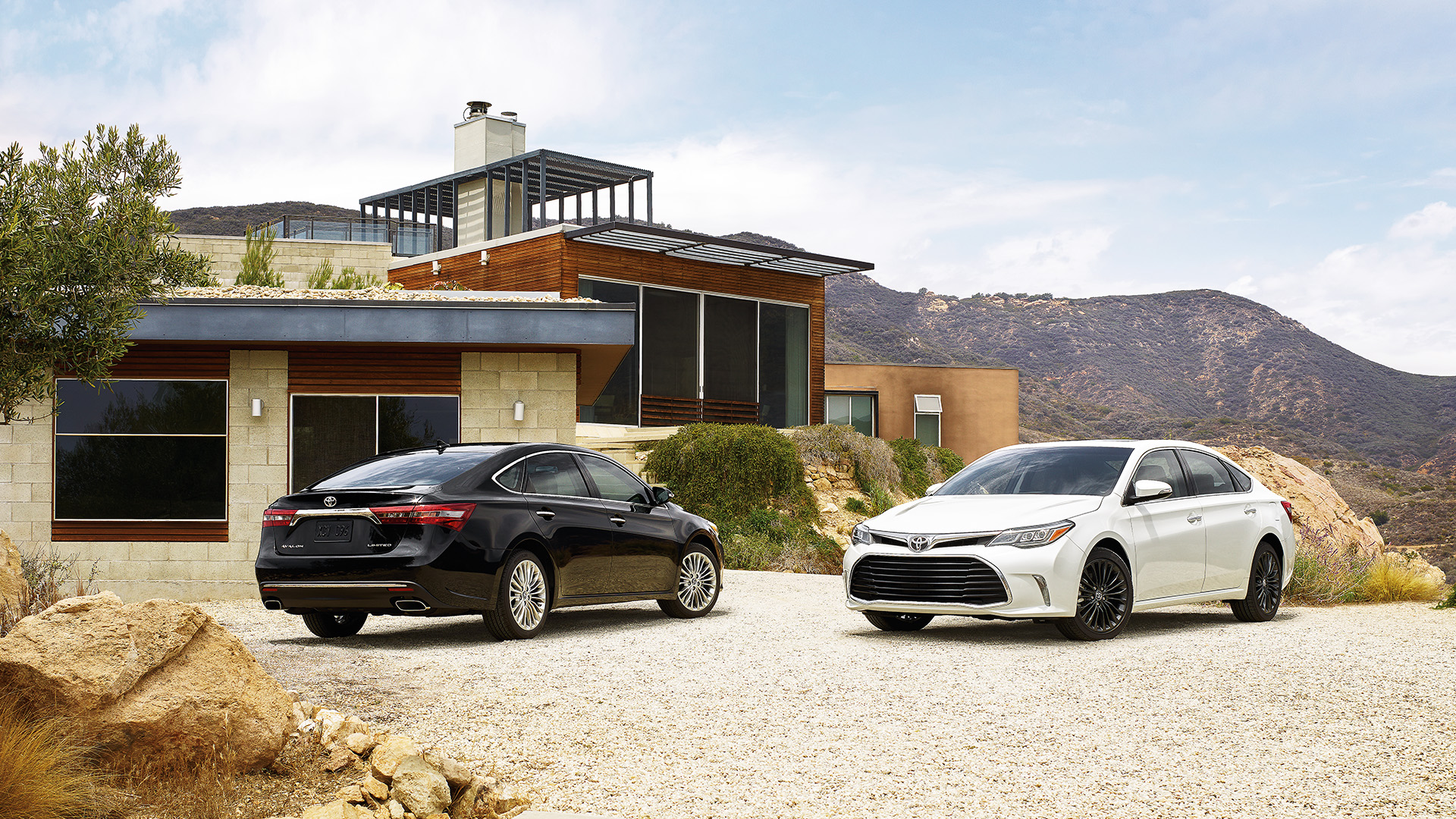 2017 Toyota Avalon Overview | The News Wheel