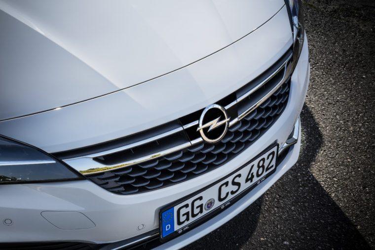 Opel Astra front camera adaptive cruise control
