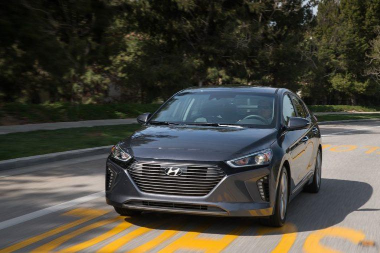 2017 Hyundai IONIQ hybrid EV car specifications auto show