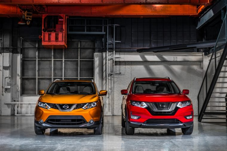 2017 Nissan Rogue Sport (left) and the Nissan Rogue (right)