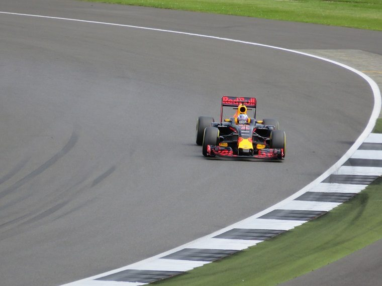 Daniel Ricciardo driving his Red Bull F1 car