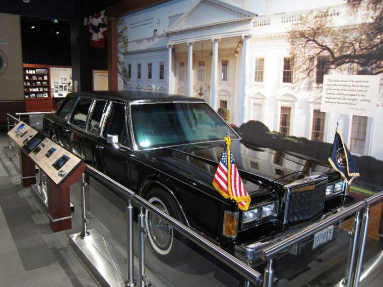 George H.W. Bush's Lincoln Town Car limo