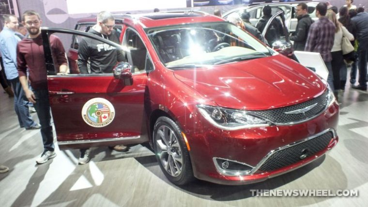 2017 Chrysler Pacifica 2