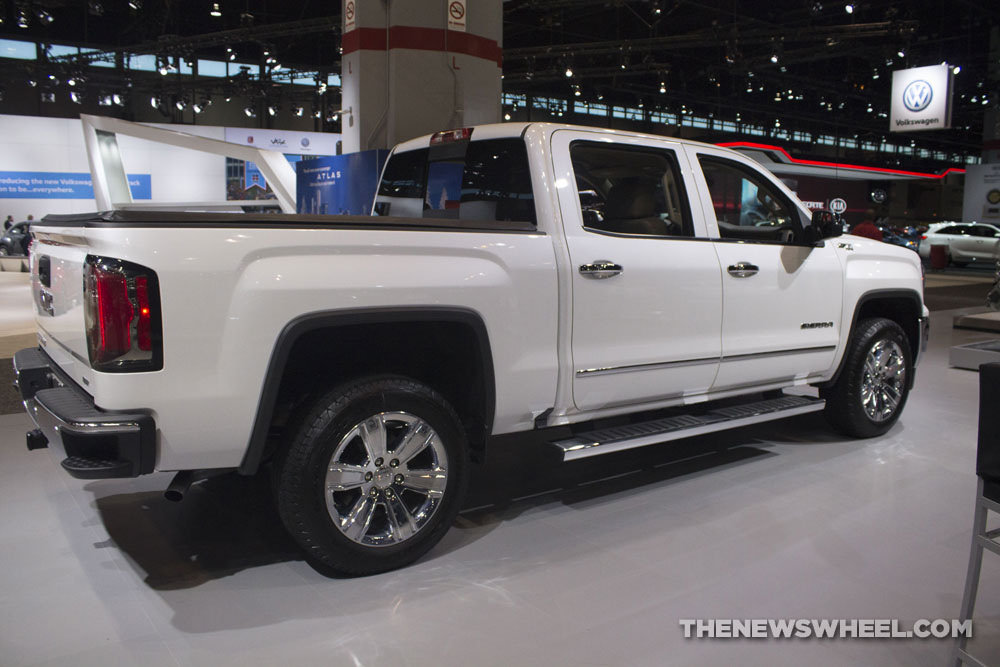 2017 gmc sierra slt elevaton white the news wheel. Black Bedroom Furniture Sets. Home Design Ideas