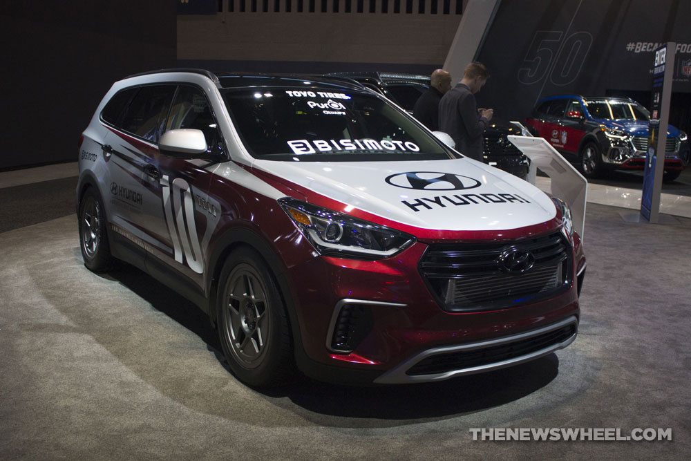 2017 Hyundai Santa Fast Santa Fe Bismoto concept SUV at Chicago Auto Show