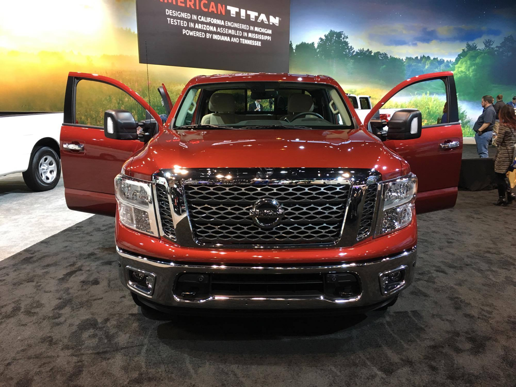 you like things big then get your hands on the nissan titan 39 s new king cab the news wheel. Black Bedroom Furniture Sets. Home Design Ideas