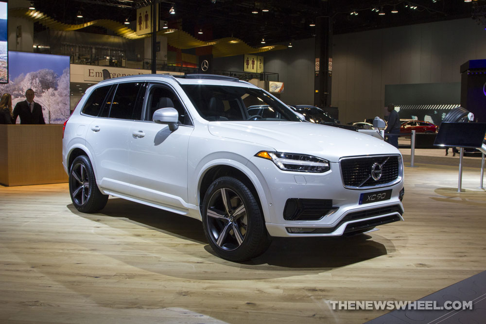 2017 volvo xc90 white suv on display chicago auto show 2 the news wheel. Black Bedroom Furniture Sets. Home Design Ideas