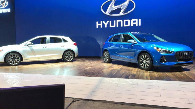2018 Hyundai Elantra GT reveal at Chicago Auto Show new cars