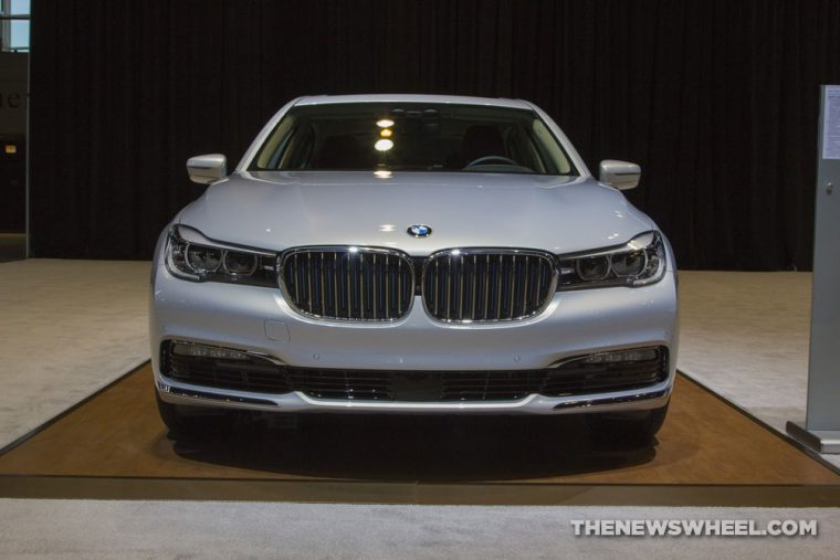 CAS 2017 BMW 740e