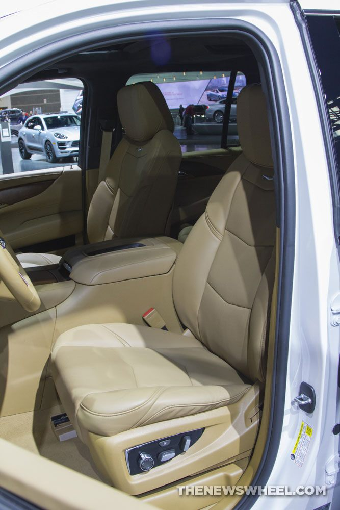 2017 cadillac escalade front seat the news wheel. Black Bedroom Furniture Sets. Home Design Ideas