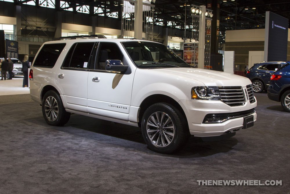 2017 lincoln navigator overview the news wheel. Black Bedroom Furniture Sets. Home Design Ideas