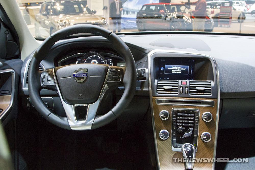 2017 volvo xc60 the news wheel for Xc60 2017 interior