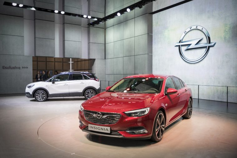 Opel Crossland X and Insignia Grand Sport