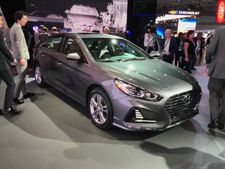 2018 Hyundai Sonata sedan car reveal at 2017 New York International Auto Show model redesign presentation grey