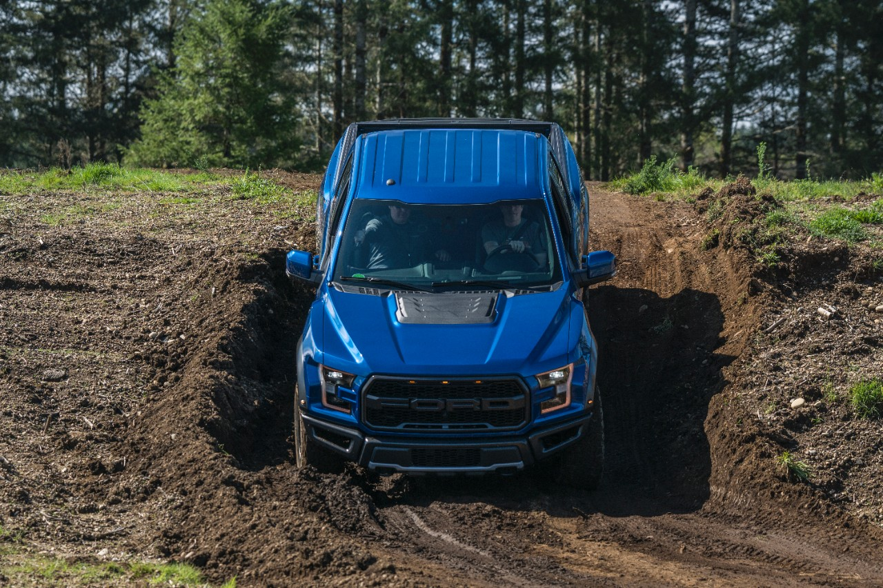 2017 ford f 150 raptor wins best truck at northwest outdoor activity vehicle of the year mudfest. Black Bedroom Furniture Sets. Home Design Ideas