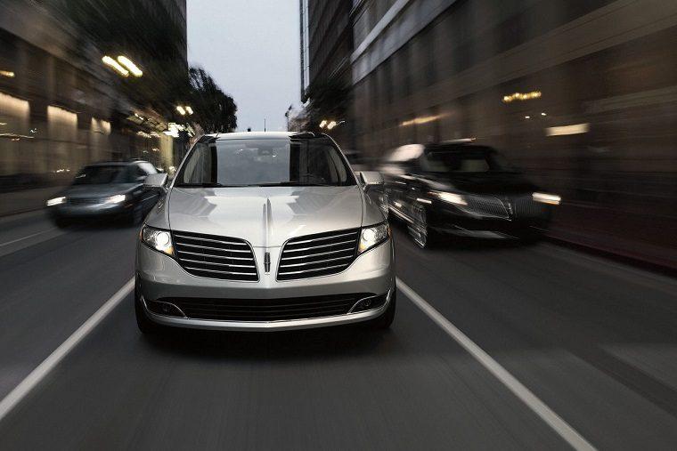 2017 Lincoln MKT exterior
