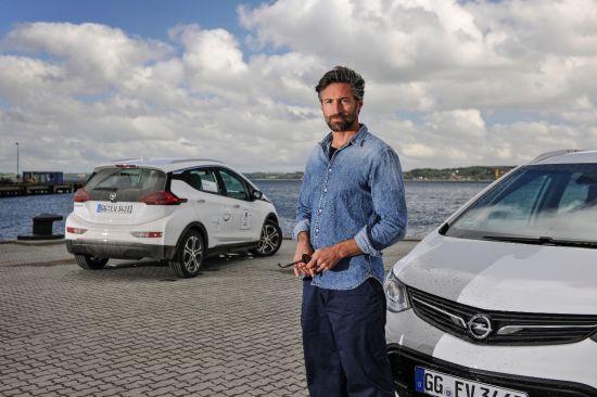 Benjamin Sadler and Opel Ampera-e