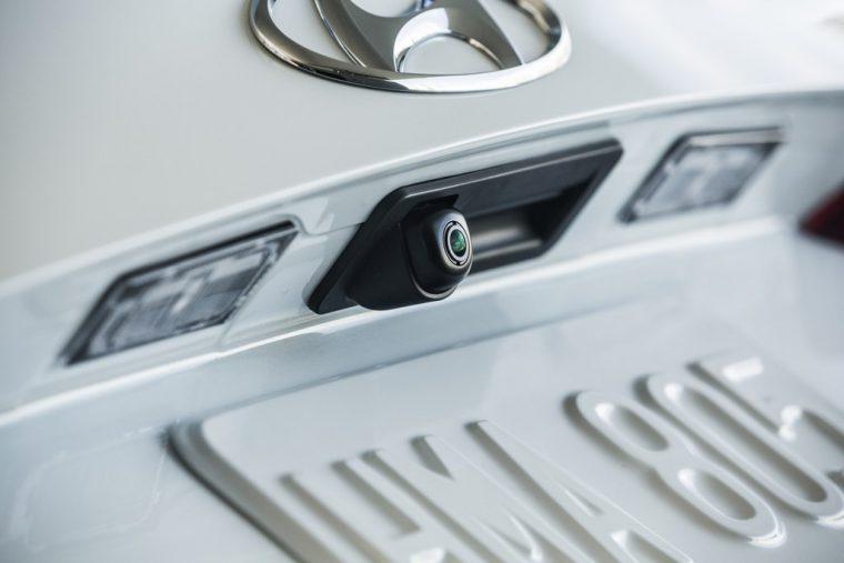 2018 Hyundai Elantra Sedan Overview car model details rearview backup camera