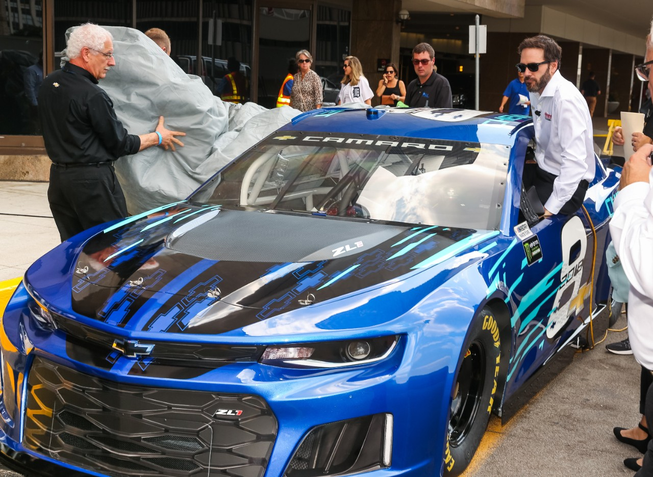 Chevrolet Reveals The 2018 Camaro Zl1 Nascar Cup Race Car The News Wheel