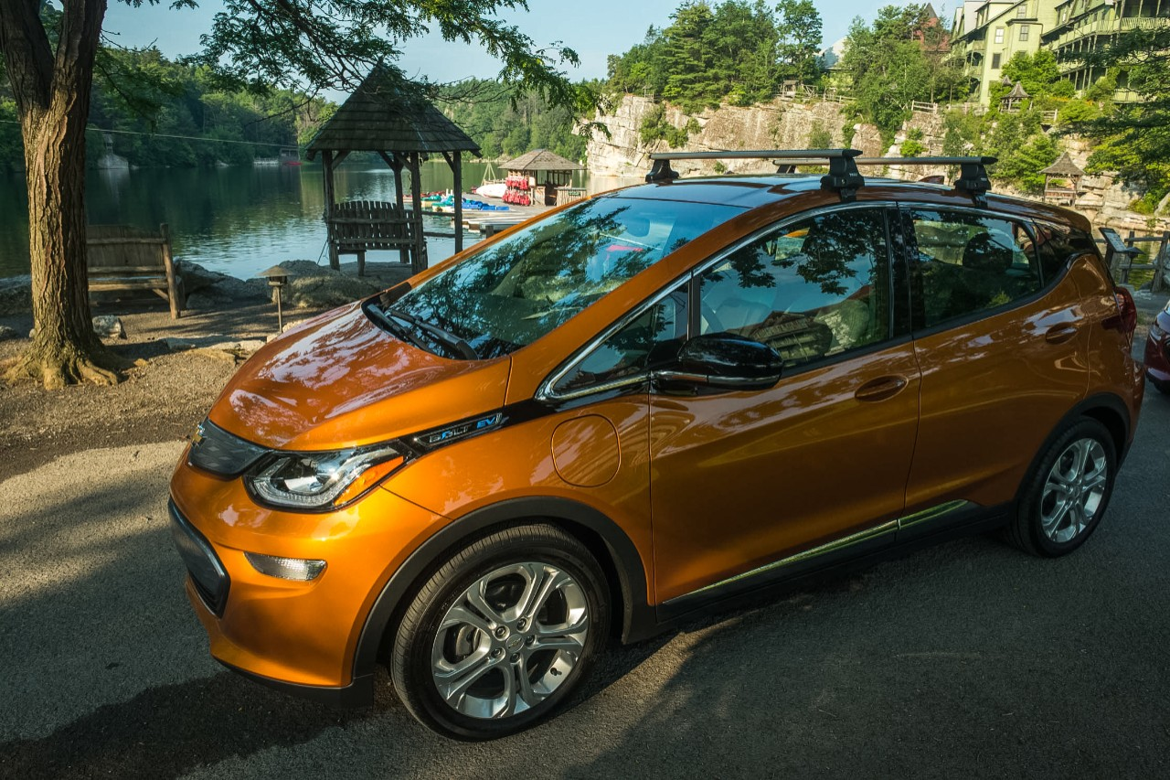 chevrolet bolt named top compact green car of 2018 by consumer reports the news wheel. Black Bedroom Furniture Sets. Home Design Ideas
