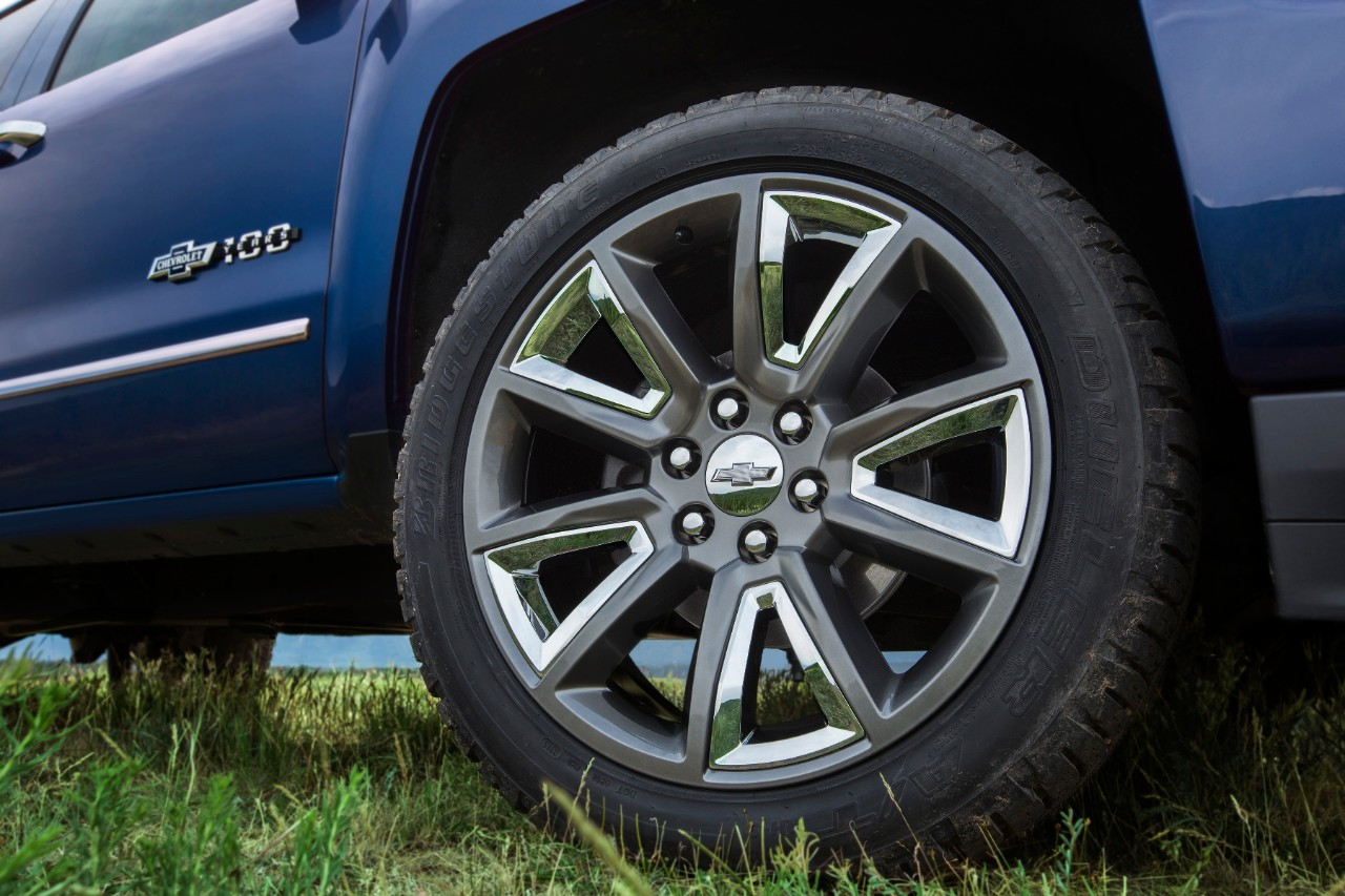 2018 chevrolet bowtie. exellent bowtie photos 2018 chevrolet centennial edition silverado and colorado revealed   the news wheel on chevrolet bowtie o