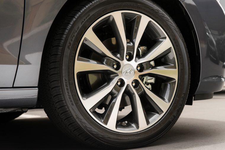 2018 Hyundai Elantra Gt Overview The News Wheel