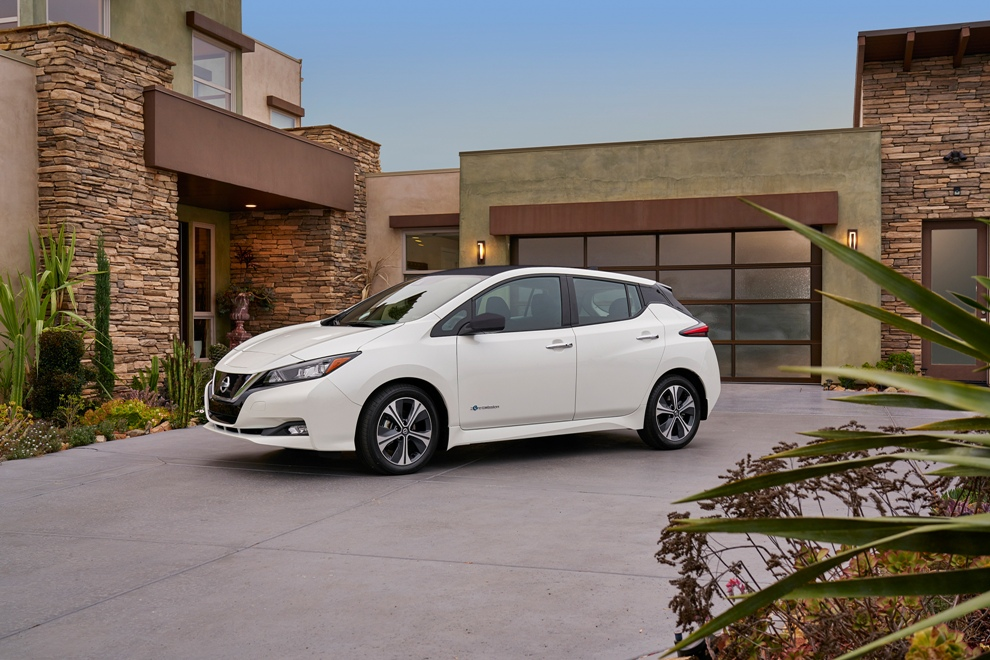 what s new in the 2018 nissan leaf the news wheel. Black Bedroom Furniture Sets. Home Design Ideas