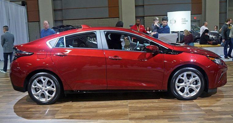 Chevrolet_Volt__2017