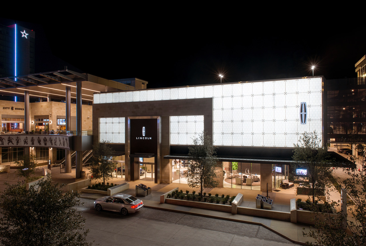 Dallas lincoln experience center open at the star in for Lincoln motor company corporate headquarters
