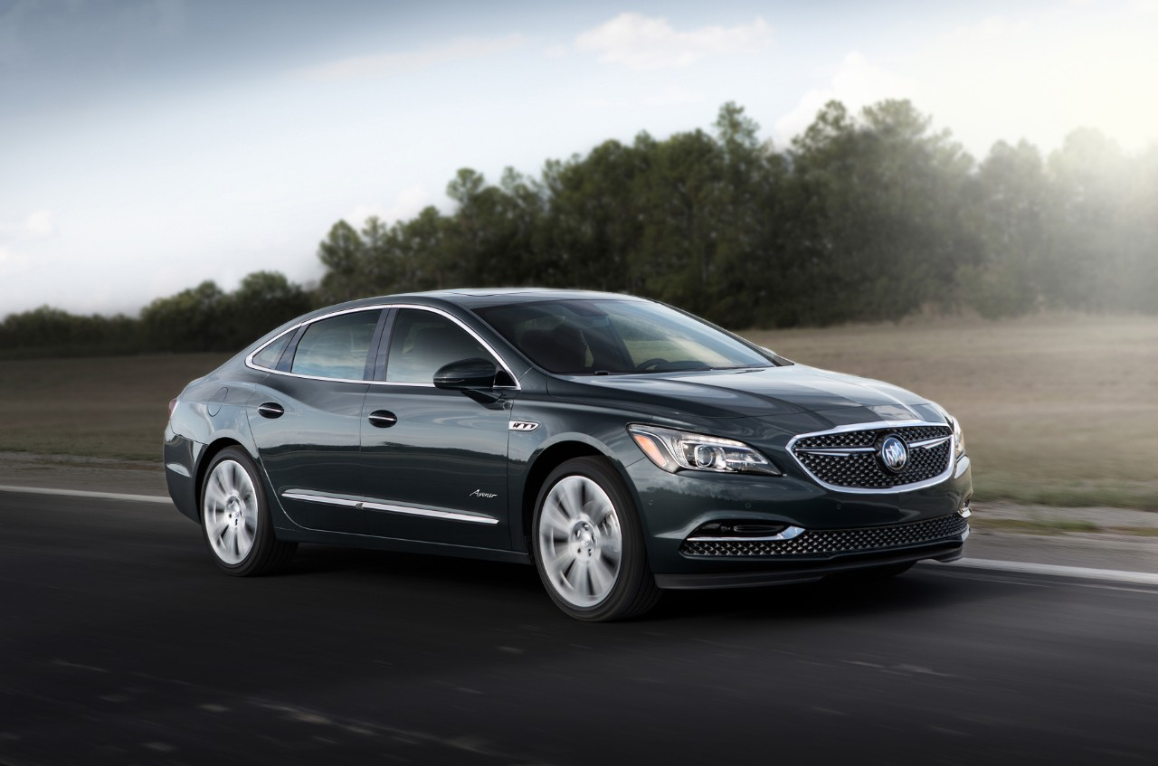 Buick LaCrosse: Muting a Call