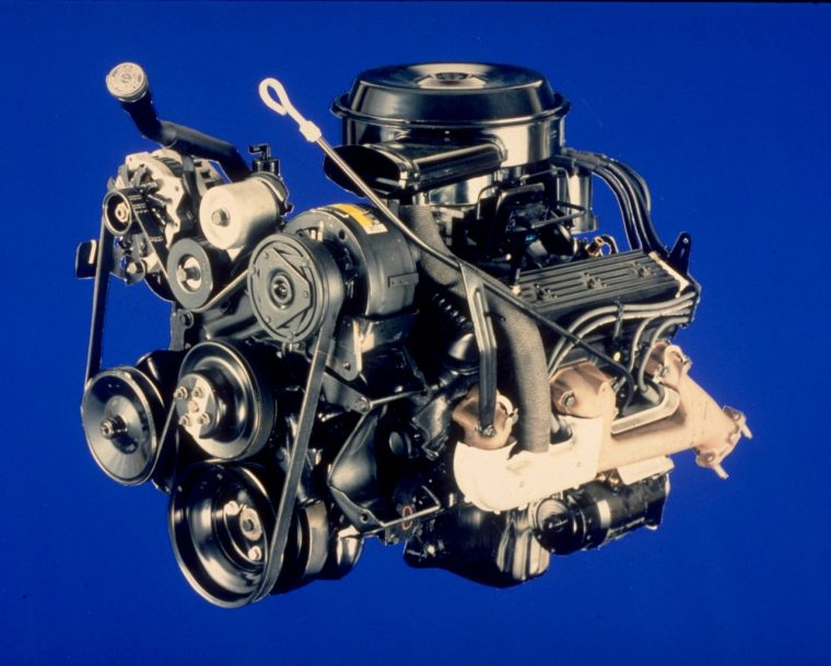 Fuel-injected 350-cubic-inch (5.7L) Small Block V-8 engine, rated at 210 horsepower and 300 lb-ft of torque.