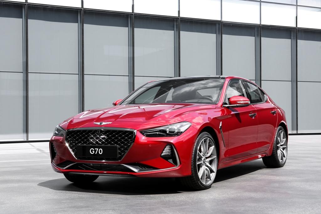 Genesis G70 compact sports sedan luxury model details exterior