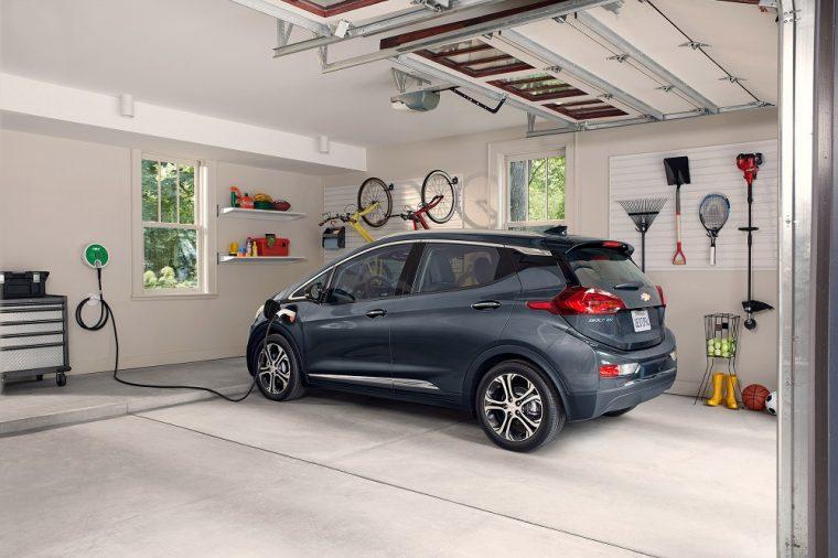 2018 Chevrolet Bolt EV Premier Garage Charging