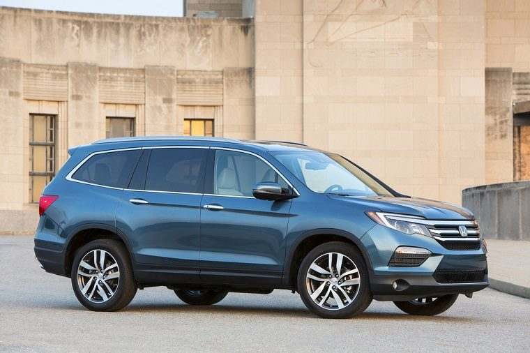 2018 honda pilot goes on sale for under 31 000 the news wheel. Black Bedroom Furniture Sets. Home Design Ideas