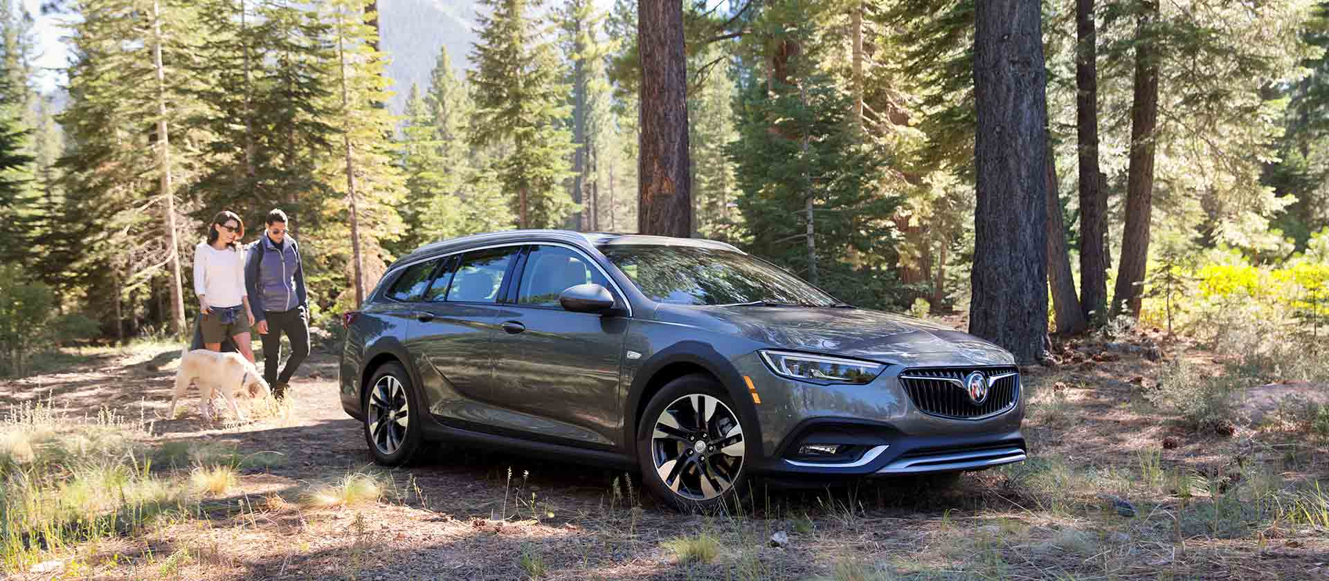 2018 Buick Regal TourX Overview - The News Wheel