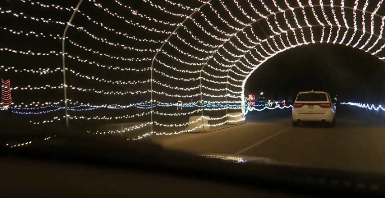 drive thru light display michigan international speedway - Christmas Light Show Michigan
