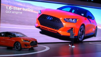 2019 Hyundai Veloster debut unveil at 2018 North American International Auto Show NAIAS press conference in Detroit model updates engine specs (1)