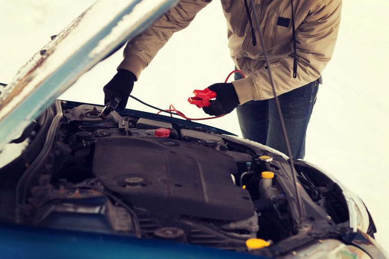 Car Engine battery winter cold freeze temperatures protect thaw